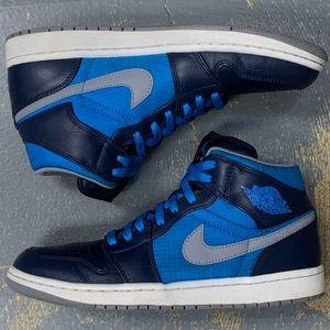 Nike Air Jordan 1 Mid Phat Obsidian 364770-405 10